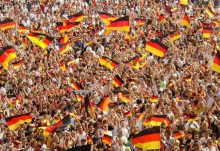 Culture - Hamburgers N'Heroin - Today is German Unity Day – Check out our compilation of clips, photos and documentaries