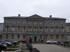 Leinster House by Sean MacEntee / Flickr